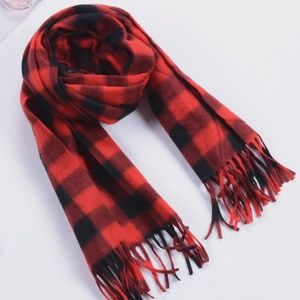 Other - Warm men's women's plaid scarf holiday